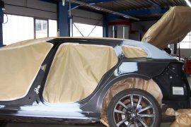 Renault Laguna – Fahrzeug zur Lackierung vorbereitet